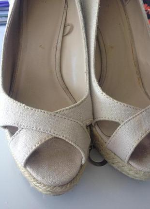 Туфли на танкетке mango