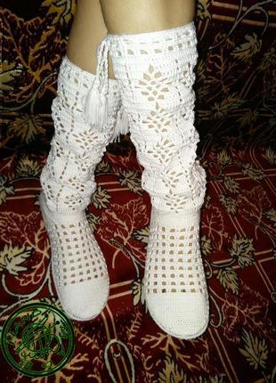 Вязанная женская обувь hand made. вязаные женские  летние белые сапоги ручная работа