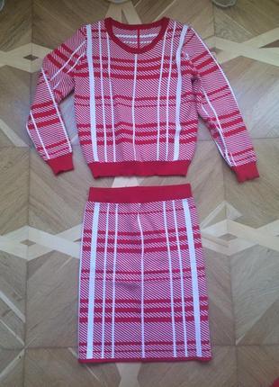 Стильный  костюм осень-зима белый с красным (юбка)