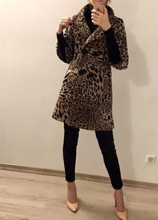 Пальто принтованное в стиле max mara.