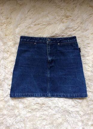 Крутая джинсовая юбка с высокой талией