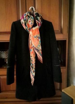 Итальянское кашемировое пальто s размер