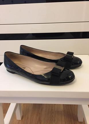 Туфлі лакові чорні