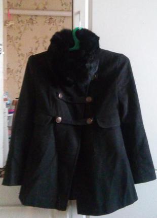 Крутое пальто с мехом