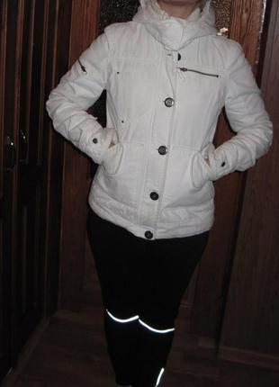 Куртка на утеплителе с капюшоном only,размер s-m