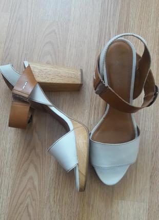 Кожаные босоножки сандали  next 101630