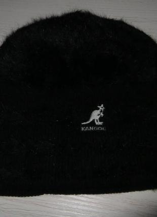 Теплая зимняя шапка из шерсти с ангорой