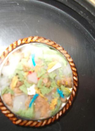 Кулон с медной цепочкой. натуральные камни залитые ювелирной эпоксидной смолой.