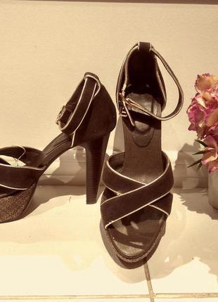 Туфли на каблуке laura biagiotti