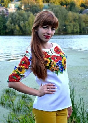 Вышиванка в украинском стиле