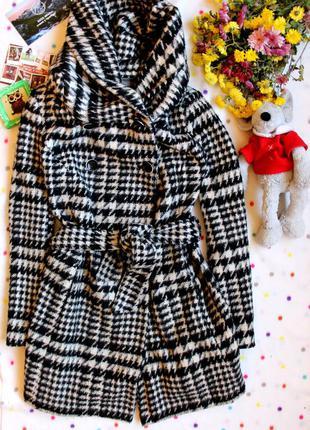Шерстяное пальто zara с капюшоном