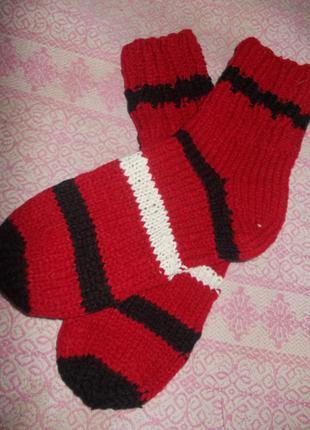 Вязаные носки . ручная работа .