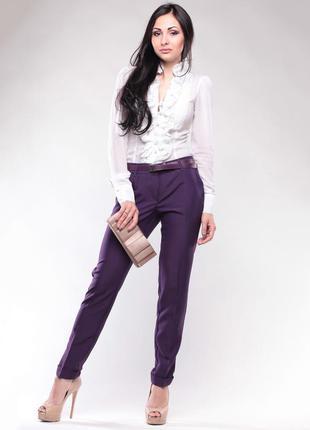 Стильные приталенные брюки состояние новой вещи