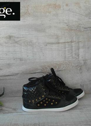 Ботинки фирменные замша 35 размер