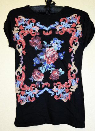 Очень классная тоненькая катоновая футболочка с имитацией вышивки фирмы zara collection
