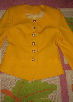 Желтый пиджак natali bolgar