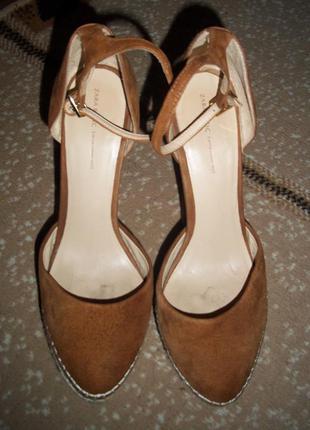 Стильные туфли босоножки zara