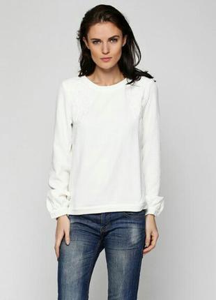 Очень красивая,шикарная блузка,свитшот белая,фирма vila,размер s