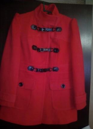 Пальто кашемировое дафлкот коралового цвета 48-50 размер
