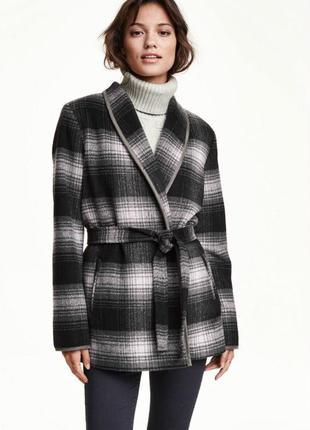 Шерстяне пальто в клітинку від h&m