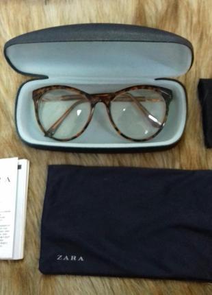 Продам новые очки zara