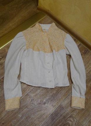 Блуза бежевая гипюровая