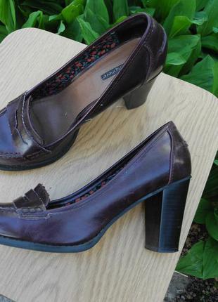 Удобные туфли лоферы atmosphere на каблуке