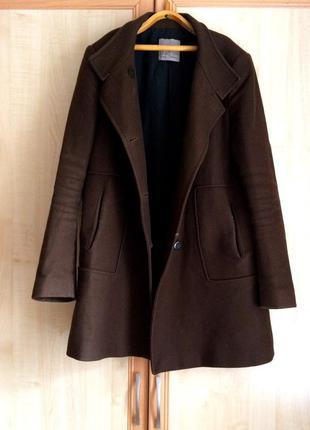 Стильное шерстяное пальто-oversize