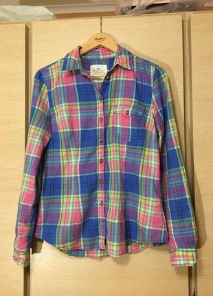 Очень яркая и красивая рубашка в клетку h&m