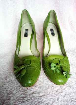 Туфли кожа травяного цвета zara