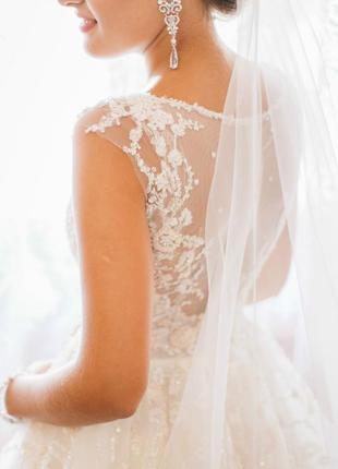 Шикарное свадебное платье цвет айвори (светлый)
