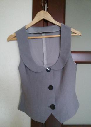 Классический костюмный жилет