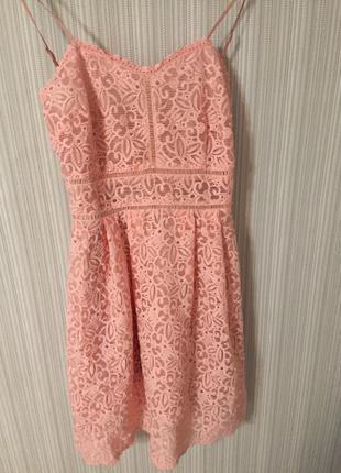 Розовое платье,дорогое кружево