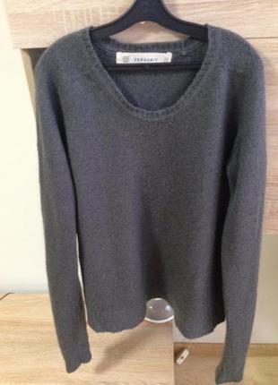 Фирменный свитер zara