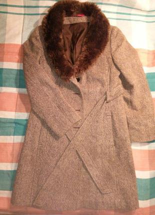 Женское пальто petite. состояние нового