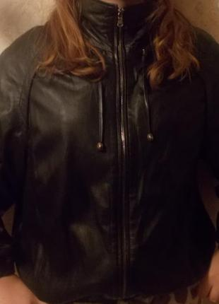 Тренд 2017:  кожаная куртка на резинке от  бренда vizyon