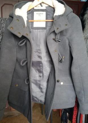 Осеннее пальто дафлкот pull & bear
