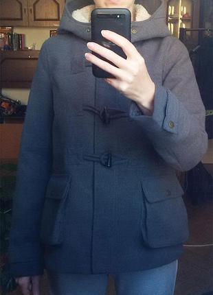 Осеннее пальто дафлкот pull & bear3