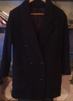 Трендовое шерстяное пальто бойфренд оверсайз с накладными карманами