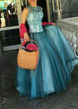 Платье вечернее, бальное. стоимость 1500 грн или обмен.