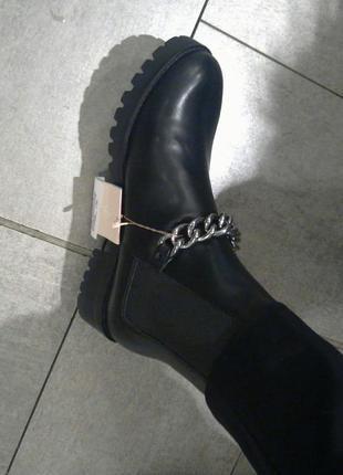 Ботинки в рок стиле stradivarius