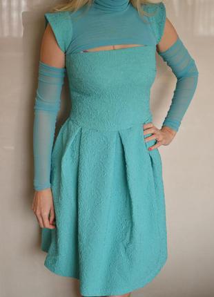 Оригинальное платье бирюзового цвета