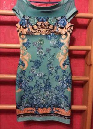 Нарядное брендовое платье италия