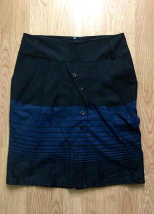 Классическая юбочка с оригинальным скосом