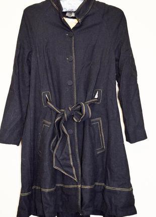 Очень милое шерстяное пальтишко под пояс, очень мягкое, фирмы fever london