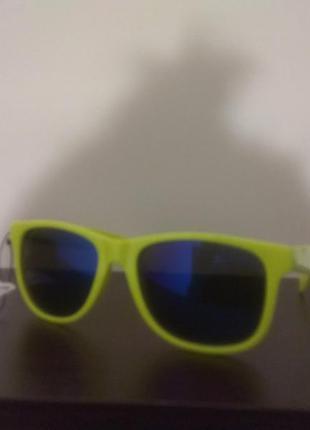 Крутые стыльные яркие очки с синими стеклами от c&a