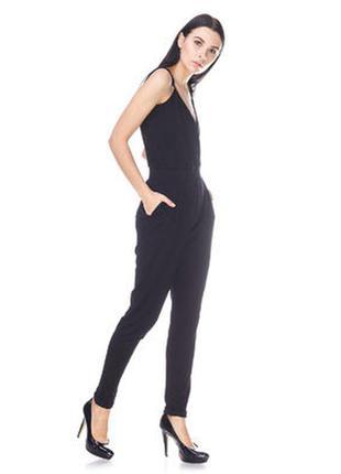 Стильный черный комбинезон на тонких бретелях и отделкой из кружева на спине от new look, размер 8/