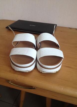 Продам босоножки, сандалии zara