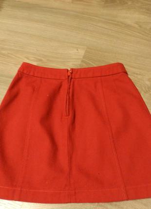 Вильветовая юбка-трапеция с завышенной талией красного цвета stradivarius