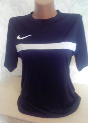 Черная новая футболка, майка nike для профессионального занятия спортом р s